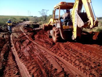 Secretaria de Obras conclui o trabalho de recuperação da estrada do Batu.