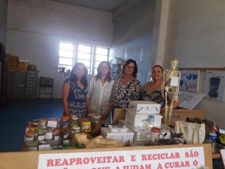 Laboratório Municipal de Ciências recebe visita da SME