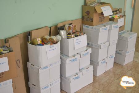 Secretaria de Educação Entrega Kits de material de expediente para todas das EMEFs