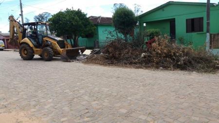 Secretaria de Obras realiza melhorias