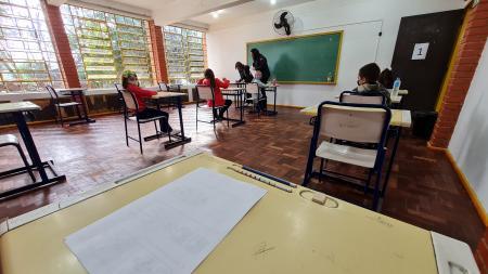 Alunos do 1º e 2ºano fazem prova do Processe Seletivo para a Escola Cívico Militar